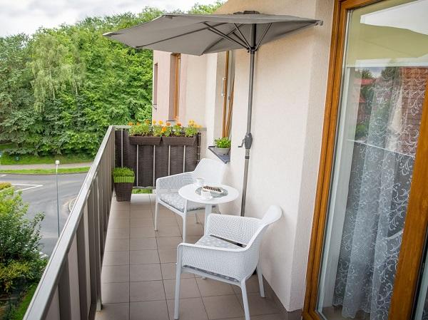 Parasol na balkon